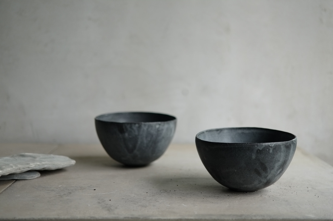 black mood bowl